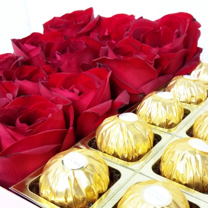 Love Potion Box : Red Roses & Chocolates